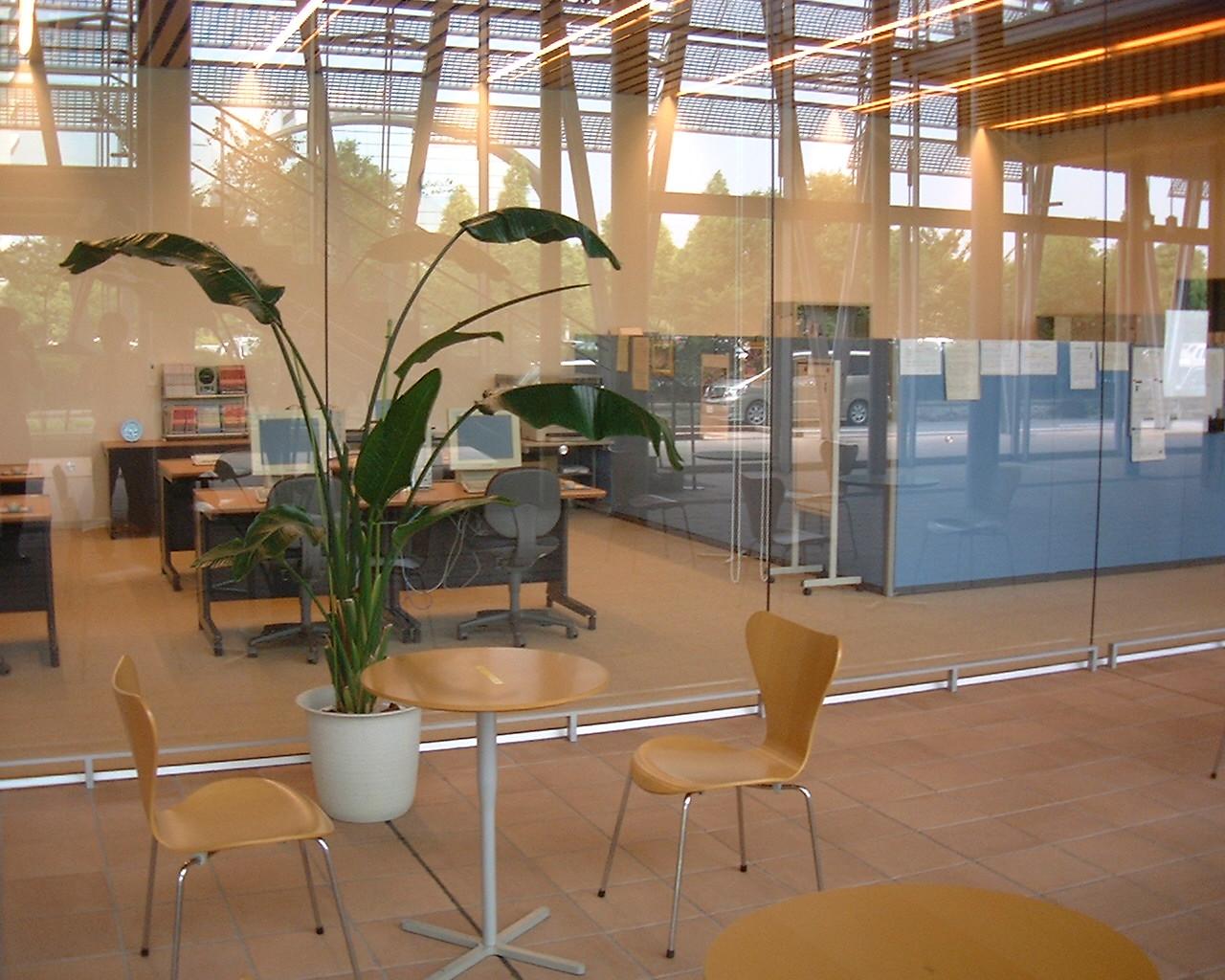 エレガントなオフィス空間