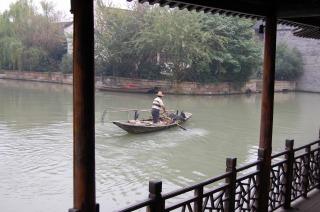 「中国最后的枕水人家」と呼ばれる水郷、『烏鎮』